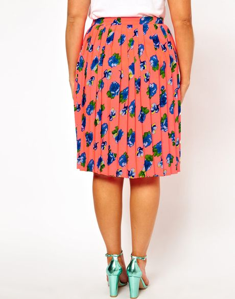 asos curve midi skirt in pleated floral print in pink