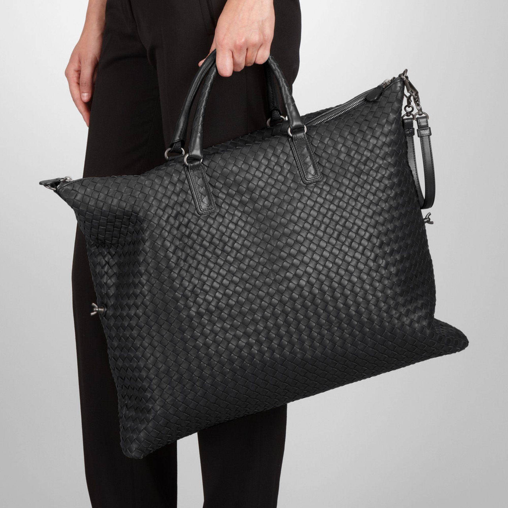 b4f3a53e726e Bottega Veneta Maxi Convertible Bag In Nero Intrecciato Nappa in ...