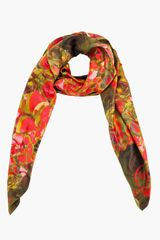 McQ by Alexander McQueen Red Rose Petal Printed Silk Scarf - Lyst