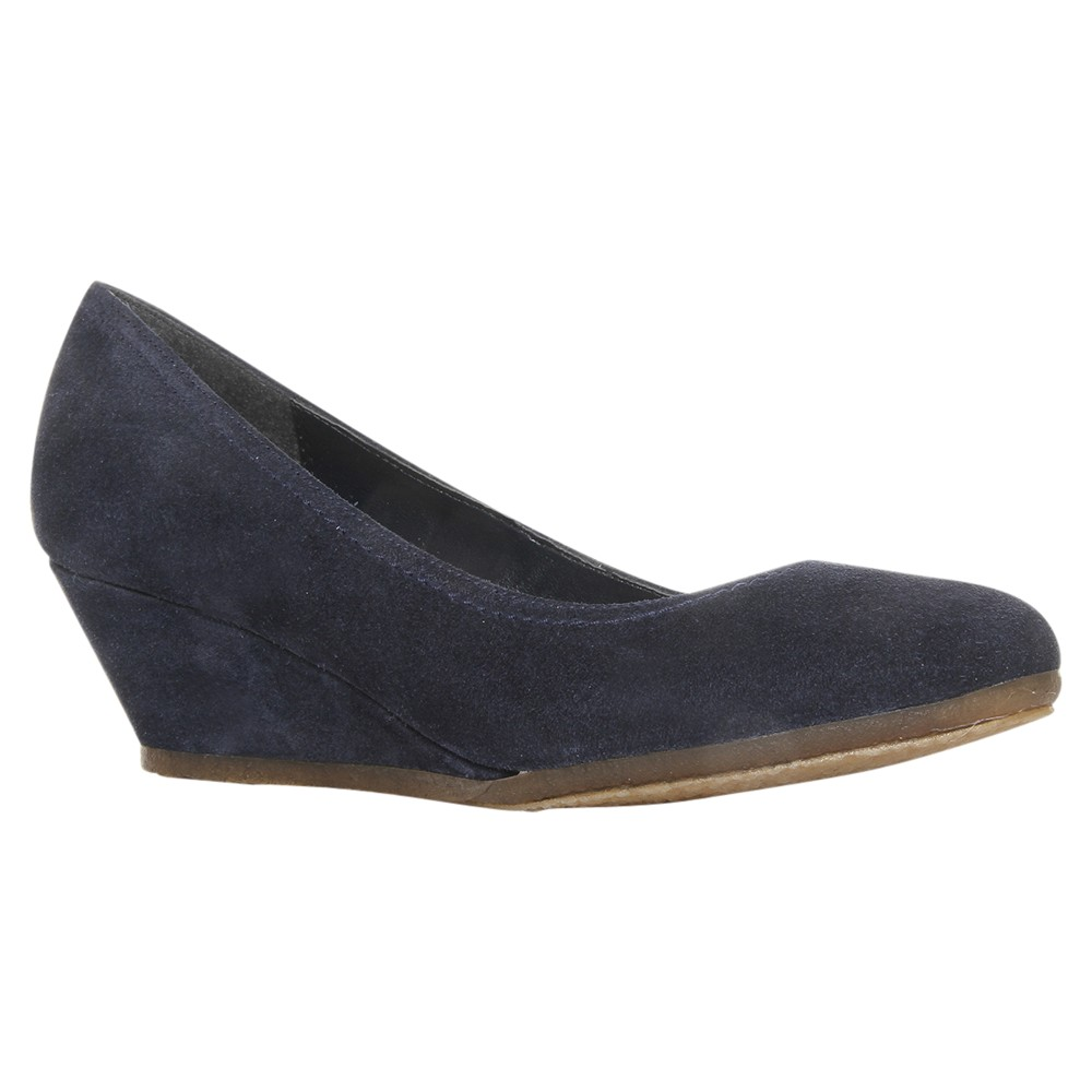 carvela kurt geiger amanda suede low wedge heel court