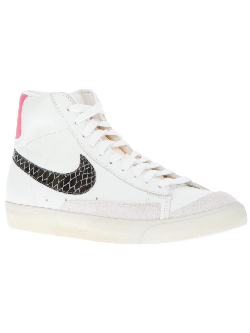 Nike Blazer Blanc Avec Heeler Tick Rouge