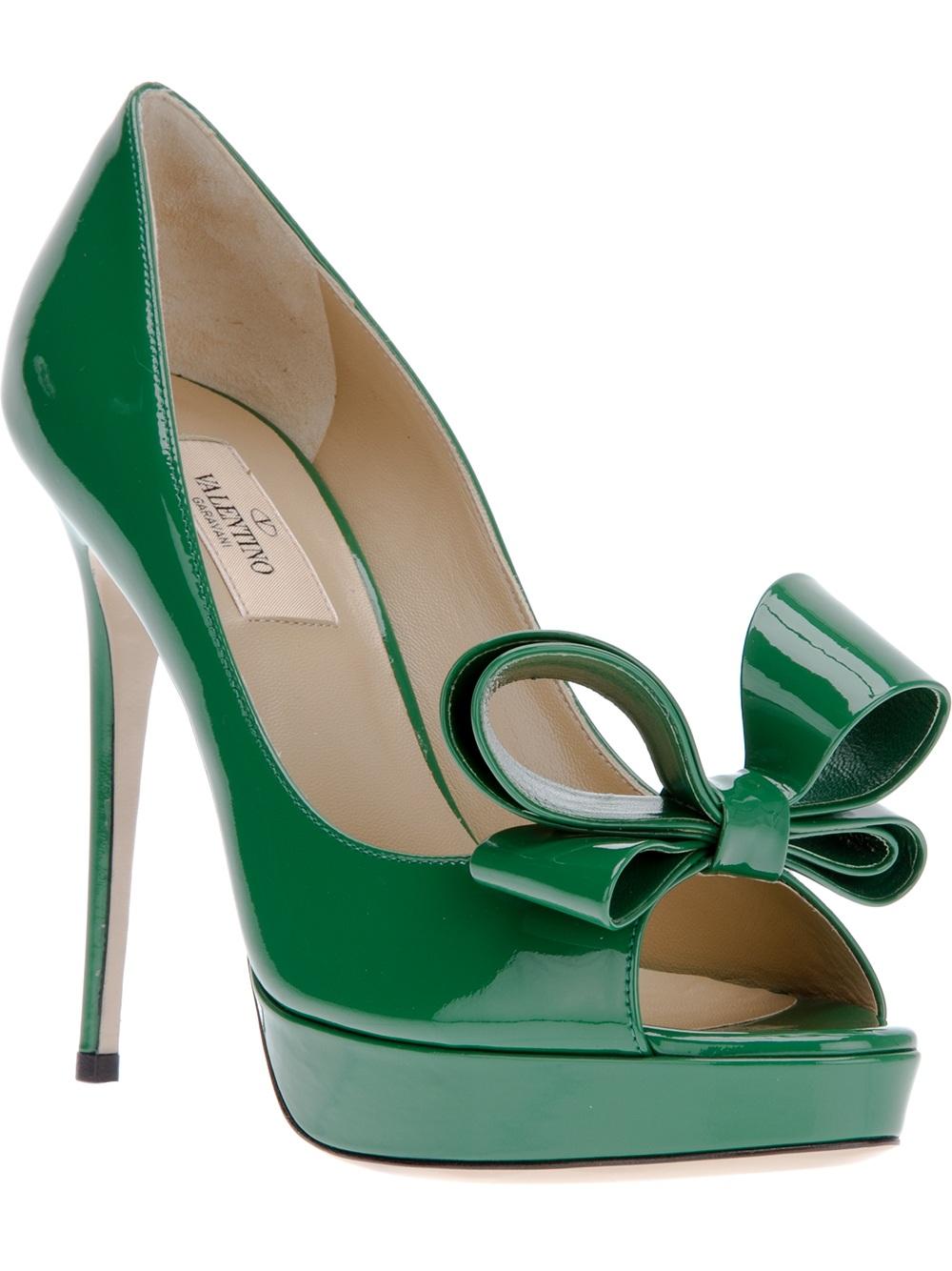 Valentino Peep Toe Pump In Green | Lyst