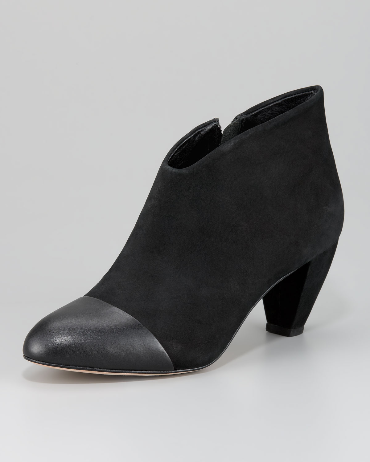 Shoes on Trend Fall Shoes Midi Boots Platform Shoes Low Heels Fall Mules Leather Shoes Animal Prints. Shoes on Sale. Shoes $25 & Under. Ankle Boots / Booties Select a Category Lulus x Matisse Henry Black Suede Leather High Heel Ankle Booties $84 Madden Girl Fibi Black High Heel Ankle Booties.