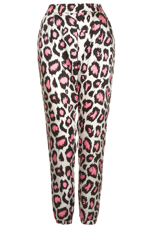 2349af73d9a8 TOPSHOP Animal Print Jogger in Pink - Lyst