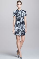 Christopher Kane Printed Pleat front Short sleeve Dress - Lyst