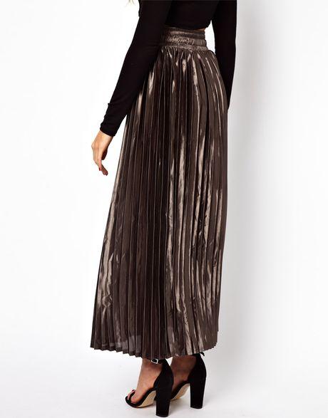 glamorous pleated metallic maxi skirt in silver