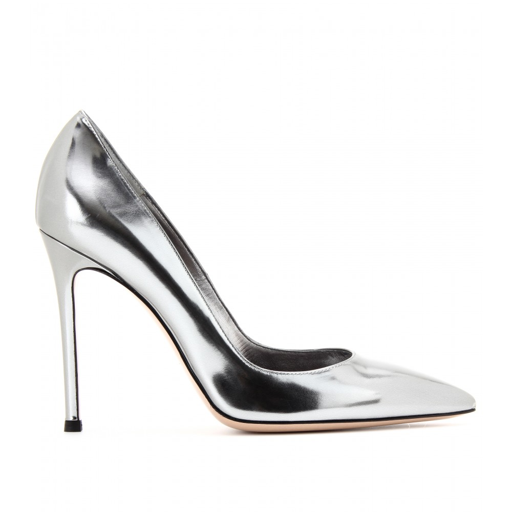 Silver And Black Shoes Pumps