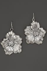 Buccellati Blossom Medium Drop Flower Earrings - Lyst