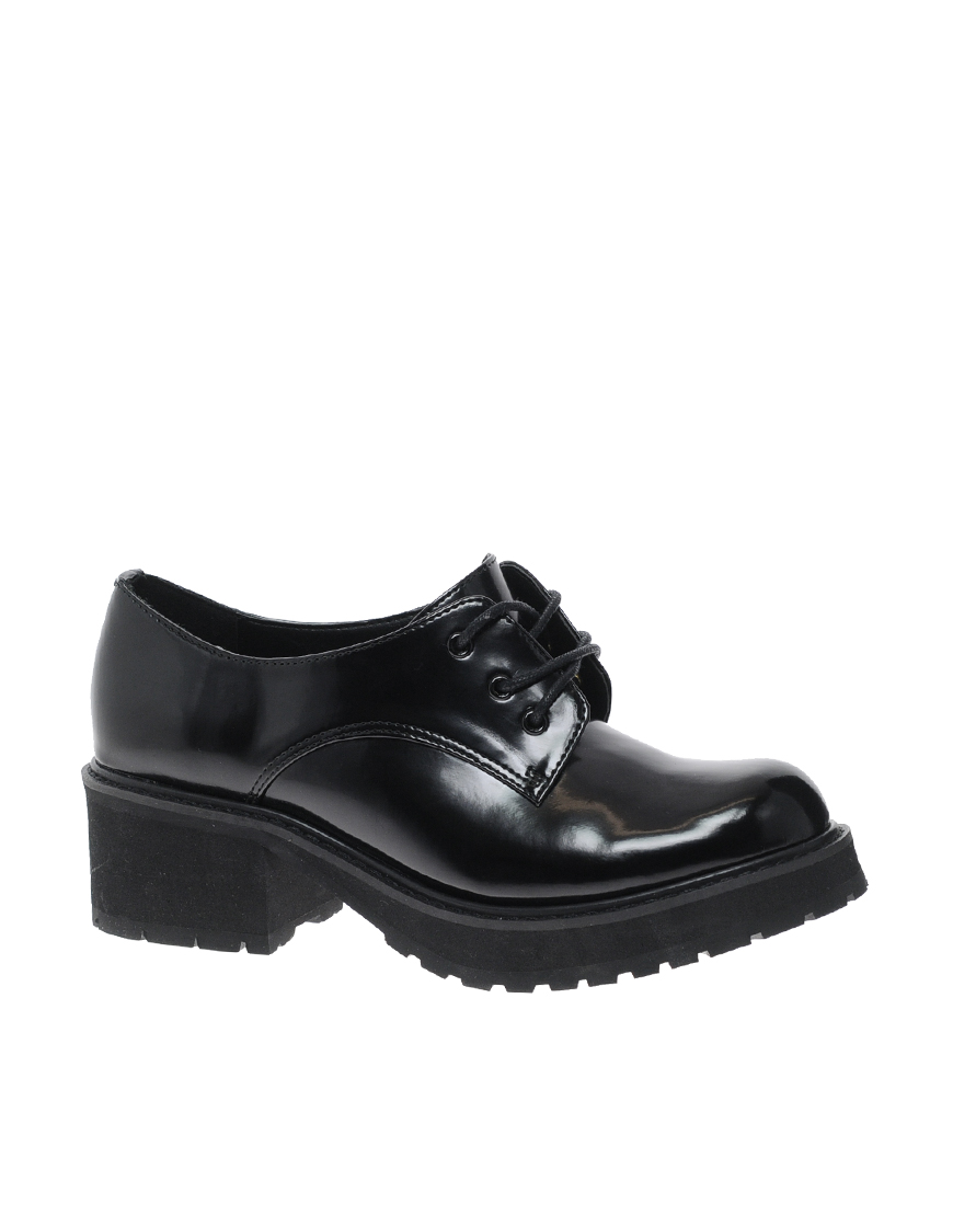 Только тот, кто хоть однажды носил угги, оценит их по-настоящему. . Обувь на высокой подошве стала