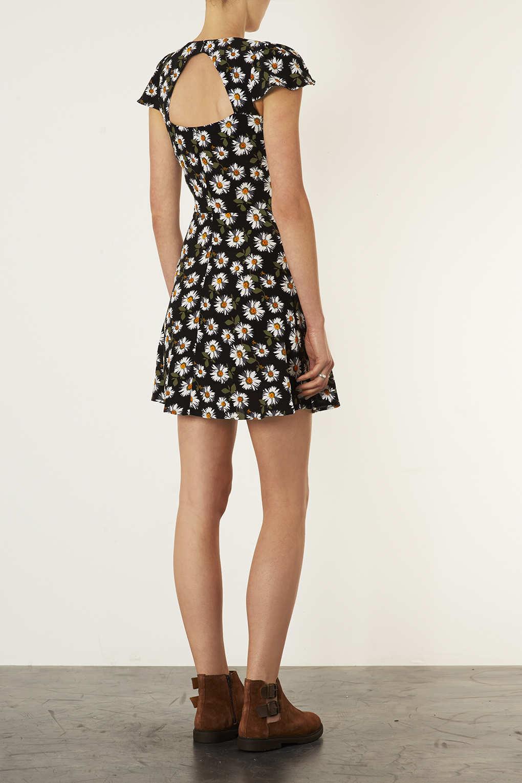 Lyst Topshop Daisy Open Back Tea Dress In Black