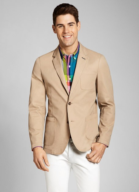 Men's Khakis - So Much Versatility From business casual to hanging out in a sports bar, Old Navy classic khakis for men are the perfect fit. Add a handsome new look to your closet with pants that offer solid creations in a traditional and favorite design.