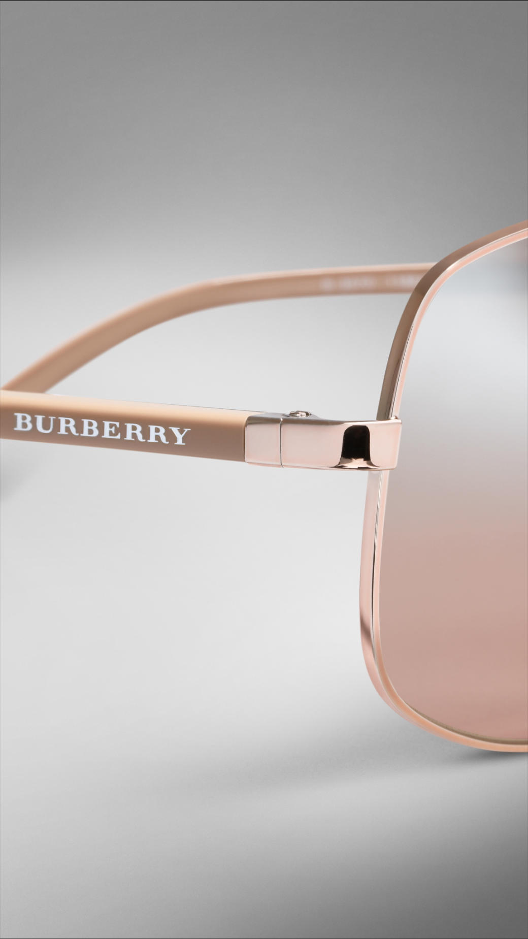 4b5ea8090fb752 Burberry Metal Round Frame Sunglasses in Pink - Lyst