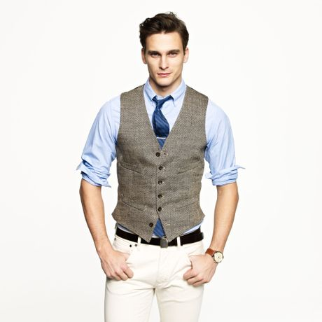 Ludlow vest in herringbone italian linen in khaki for J crew mens outfits