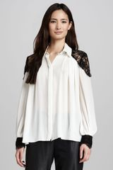 Alice + Olivia Bahmi Lace shoulder Blouse - Lyst