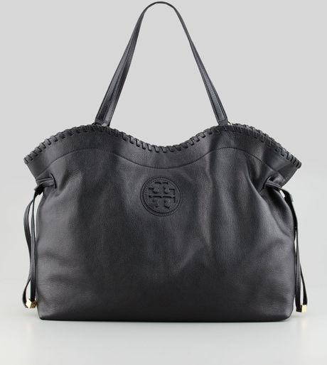 ce076e6aca Tory Burch Marion Eastwest Slouchy Tote Bag Black in Black - Lyst