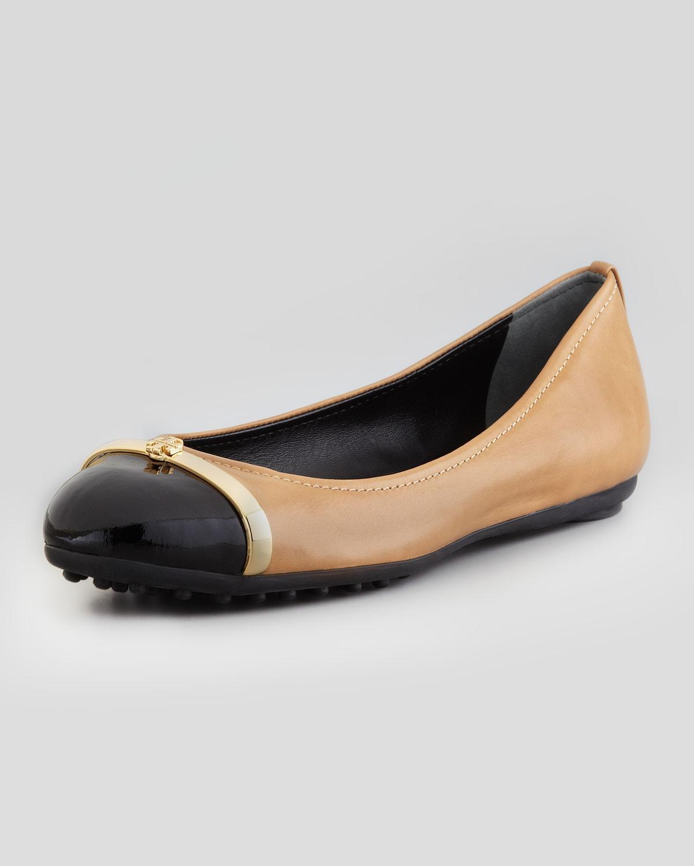 Lyst Tory Burch Pacey Patent Captoe Ballet Flat Beige In