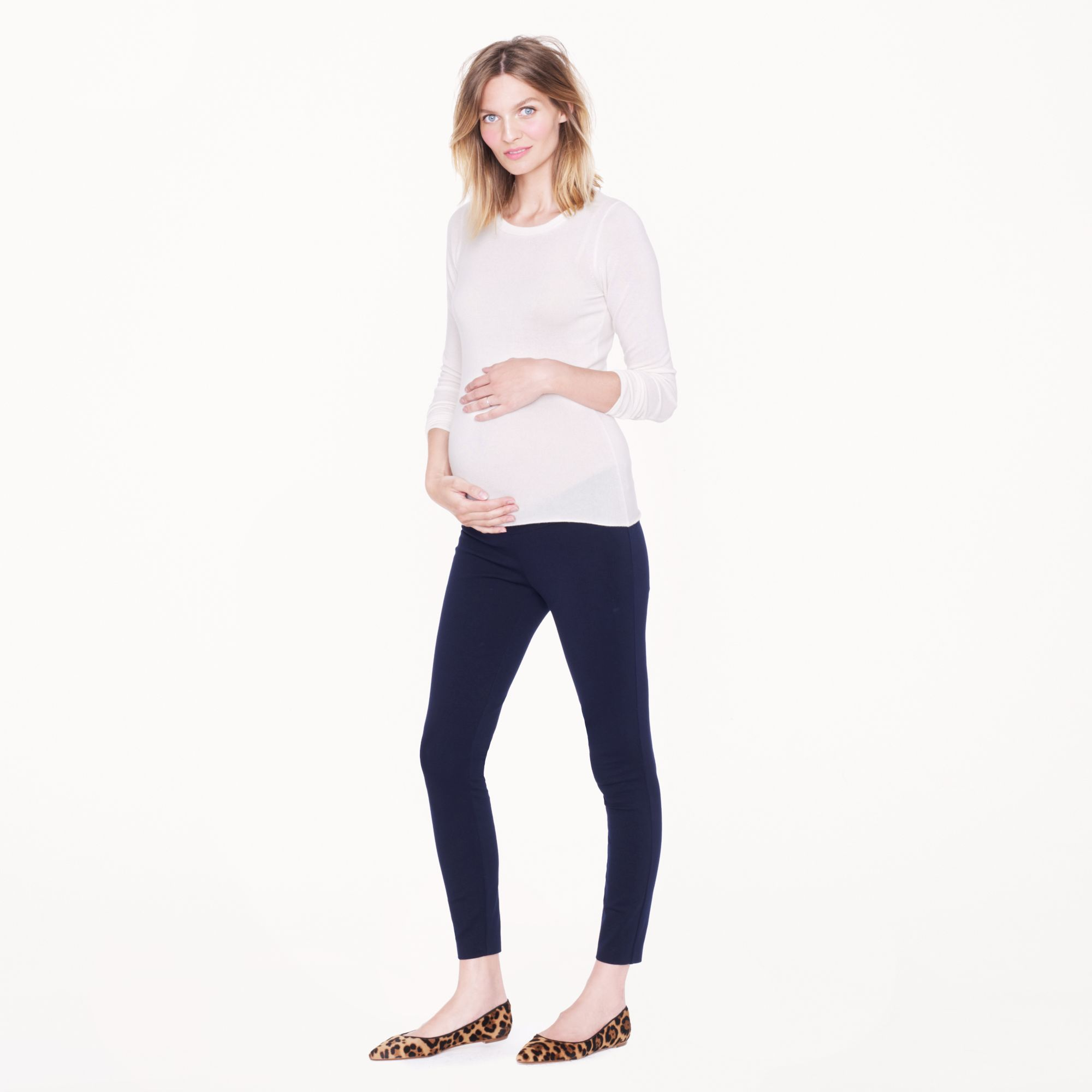 MATERNITY CLOTHES. Most popular searches this week: Maternity Jeans and Nursing Tops Funmum design maternity clothes to guarantee a stylish pregnancy. Whatever the season, Funmum will have the perfect maternity wear outfit for you.