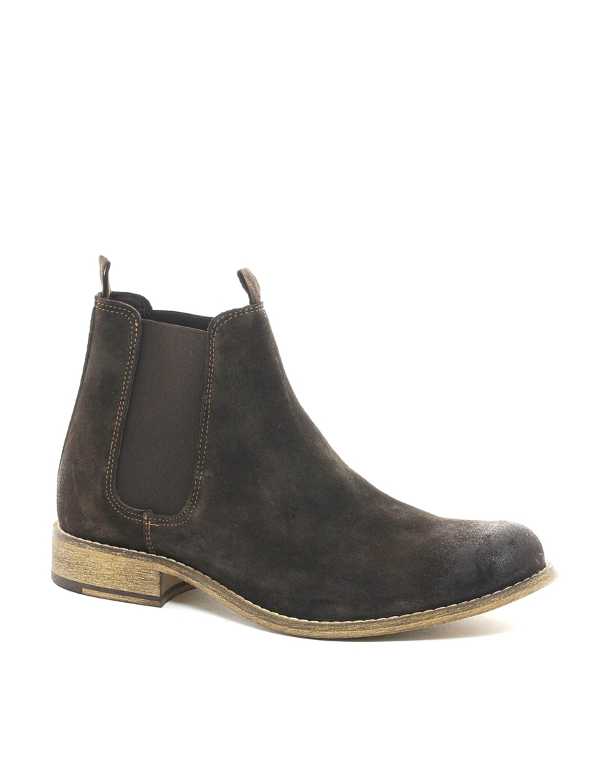 How to Use: Chelsea Boots