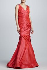 Monique Lhuillier Ruched Vneck Trumpet Gown - Lyst