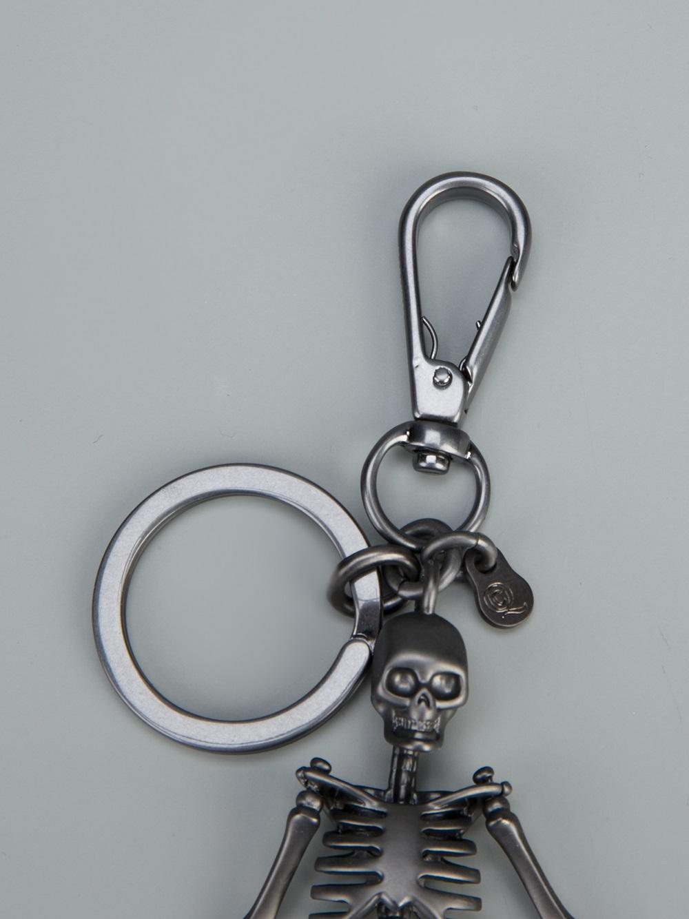 Alexander McQueen skeleton keyring - Metallic T66A47Utb
