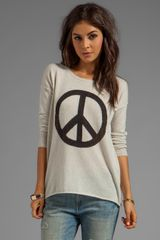Autumn Cashmere Peace Crew Sweater in Blush - Lyst