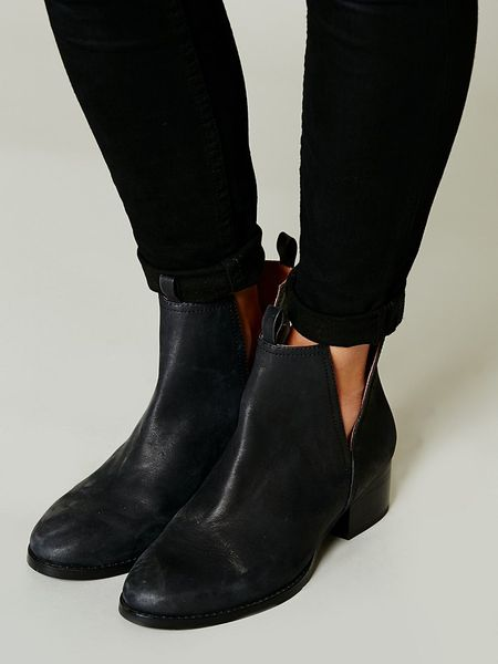 Jeffrey Campbell Cast Crew Ankle Boot In Black Black