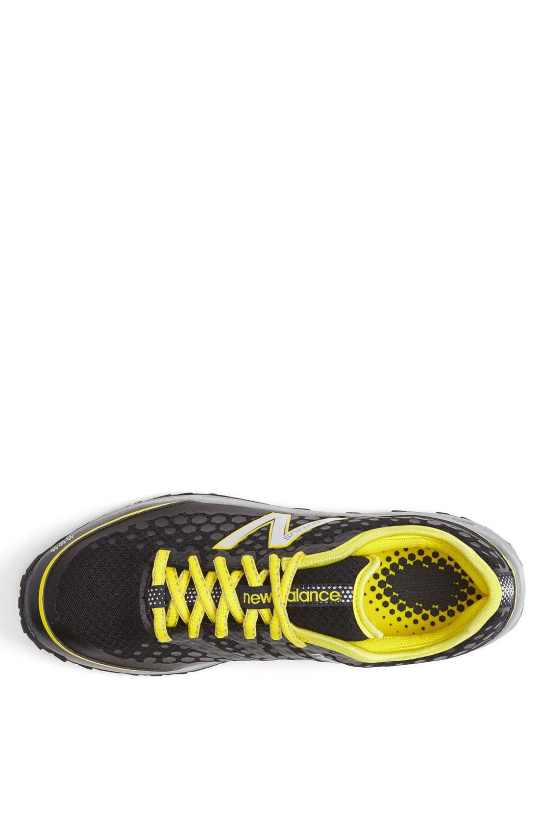 new balance minimus yellow and black
