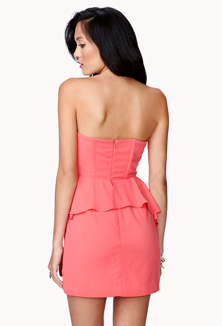 2019 year look- Coral strapless peplum dress