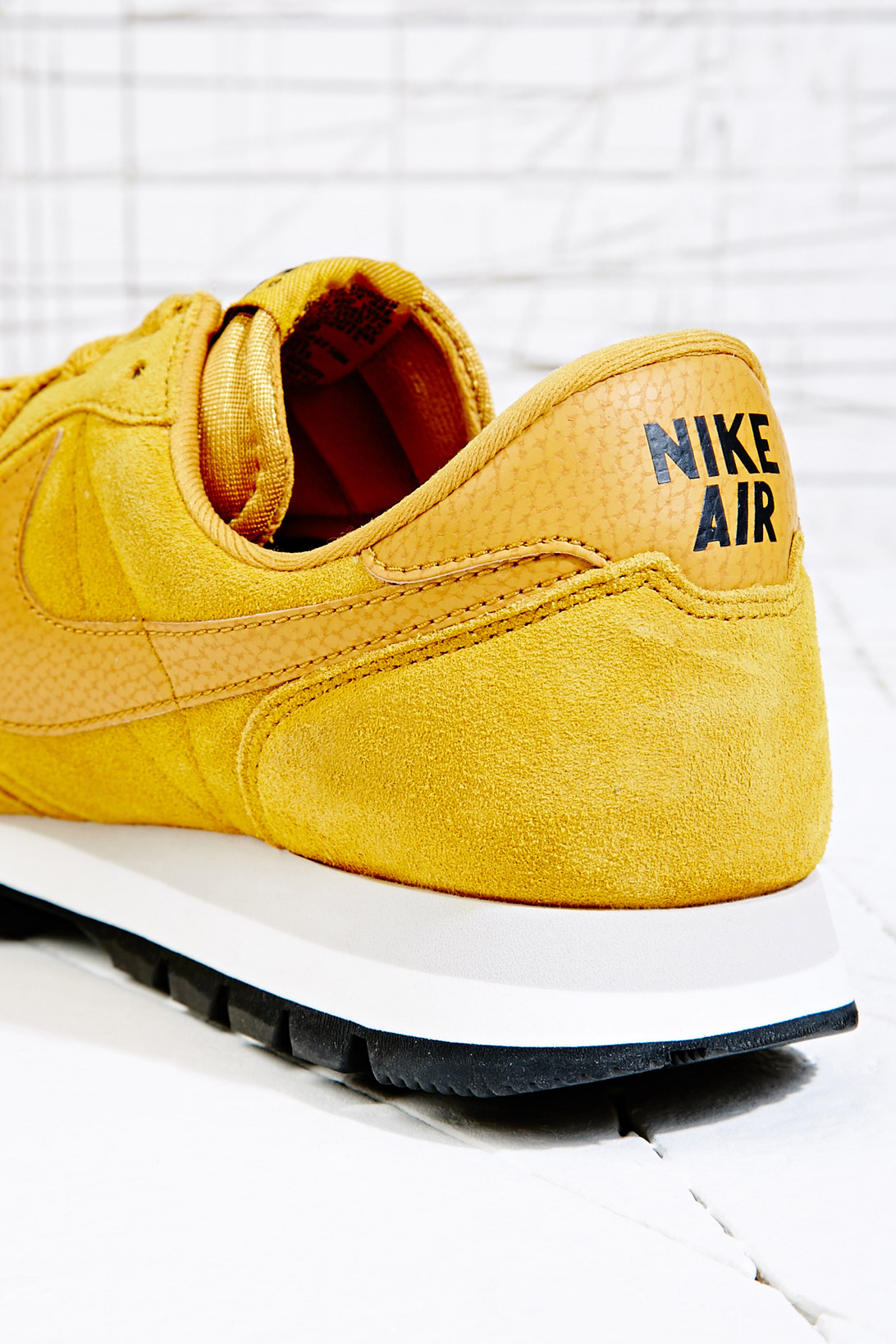 b32c43a1b646 Nike Air Pegasus 3983 Suede Trainers in Gold in Yellow for Men - Lyst