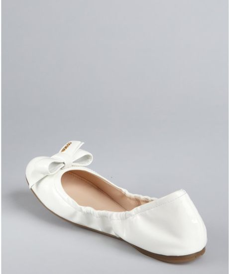Flexible Ballet Flats Sale: Save Up to 50% Off! Shop sofltappreciate.tk's huge selection of Flexible Ballet Flats - Over 40 styles available. FREE Shipping & Exchanges, and a % price guarantee!