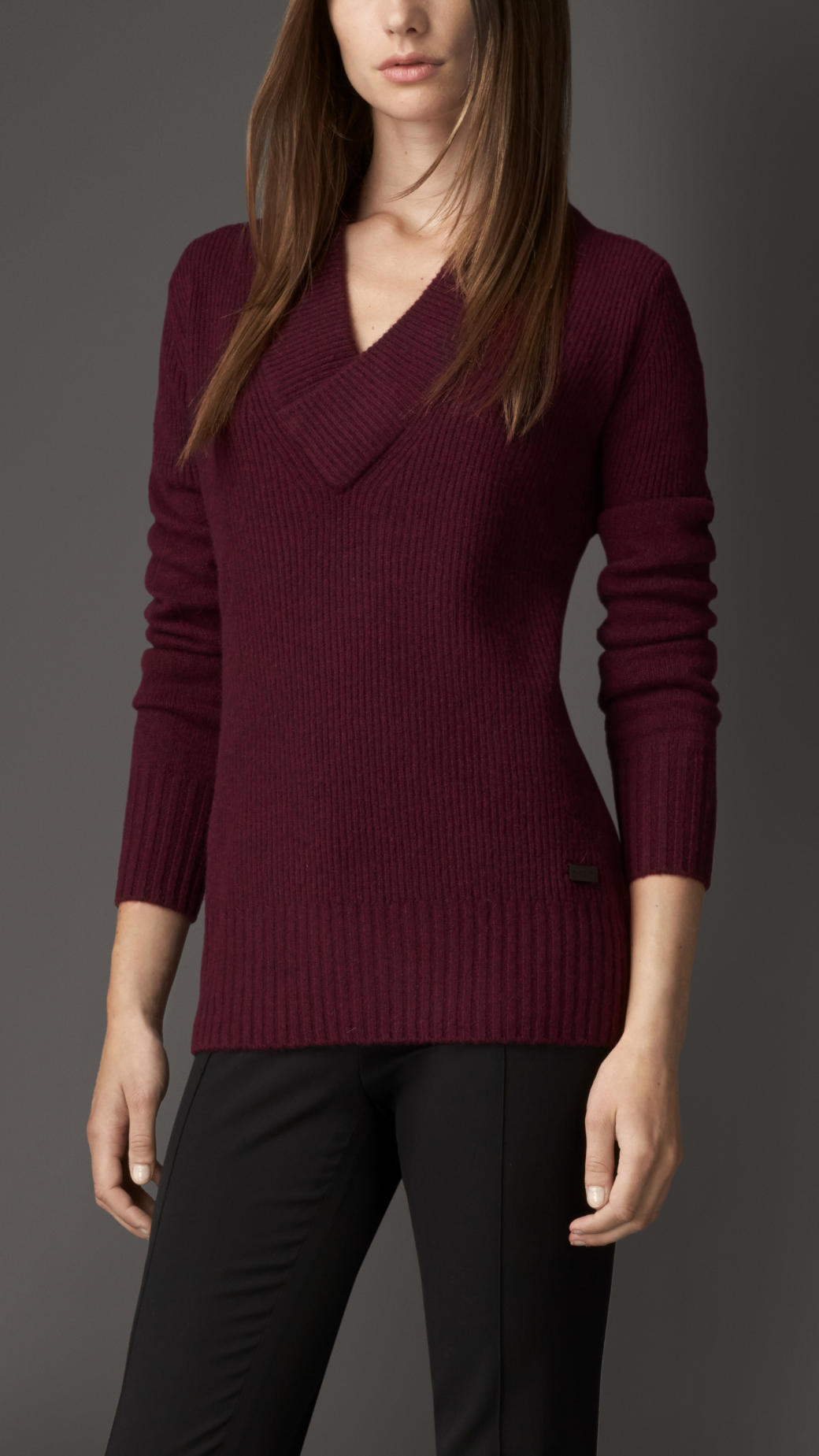 Burberry Ribbed V Neck Cashmere Sweater in Red | Lyst