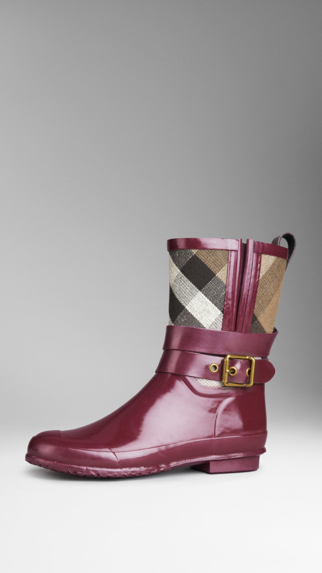 15d9d3db59a2 Burberry Boots Red