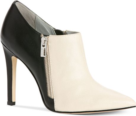Calvin Klein Bessie Shooties in Black (Bone/Black)