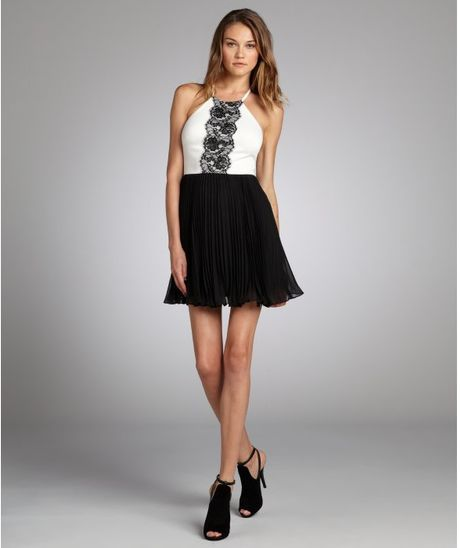 Max Amp Cleo Black And White Lace Trim Katlyn Halter Neck