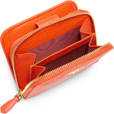 94562118924107 Prada Daino Small Zip Around Leather Wallet in Orange (PAPAYA) | Lyst
