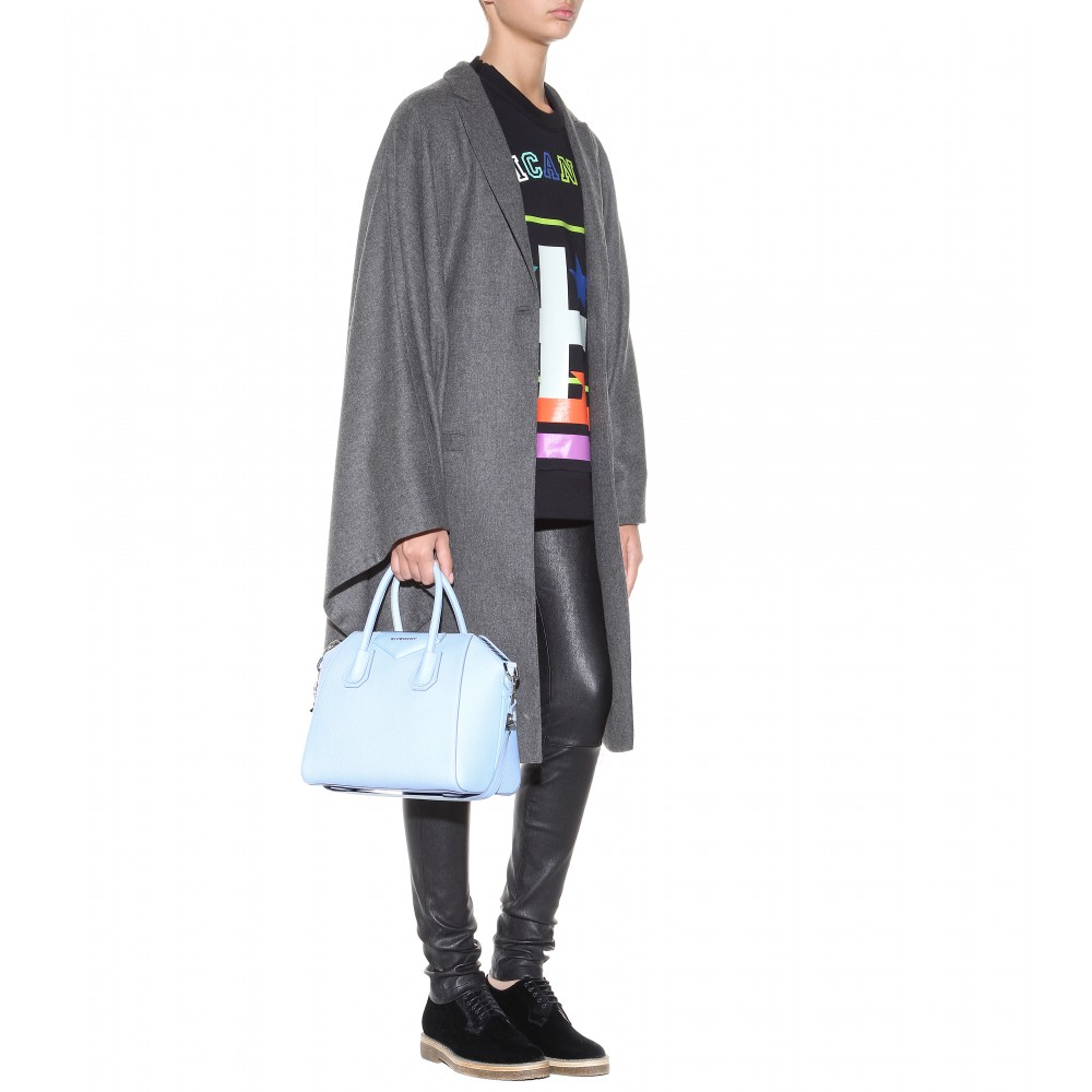 f5a27f0f271 Lyst - Givenchy Small Antigona Leather Tote in Blue