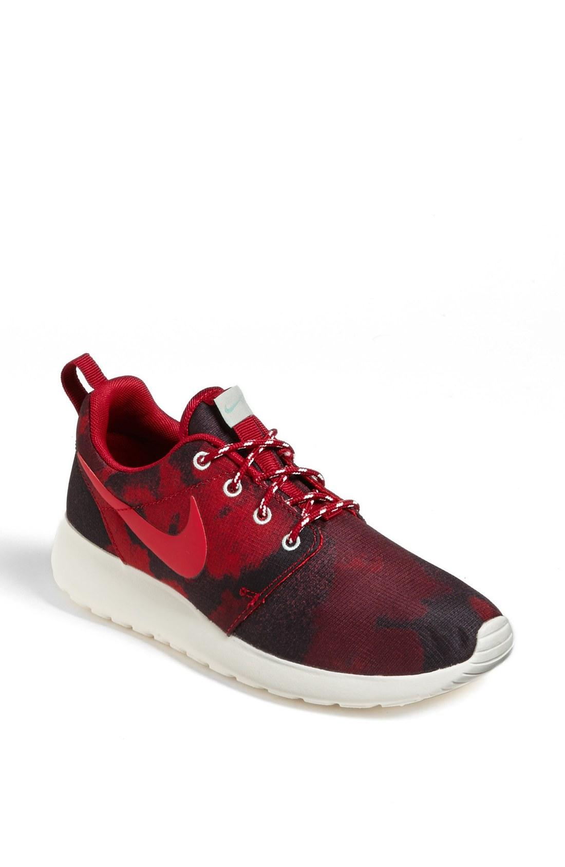 Nike Roshe Run All Red