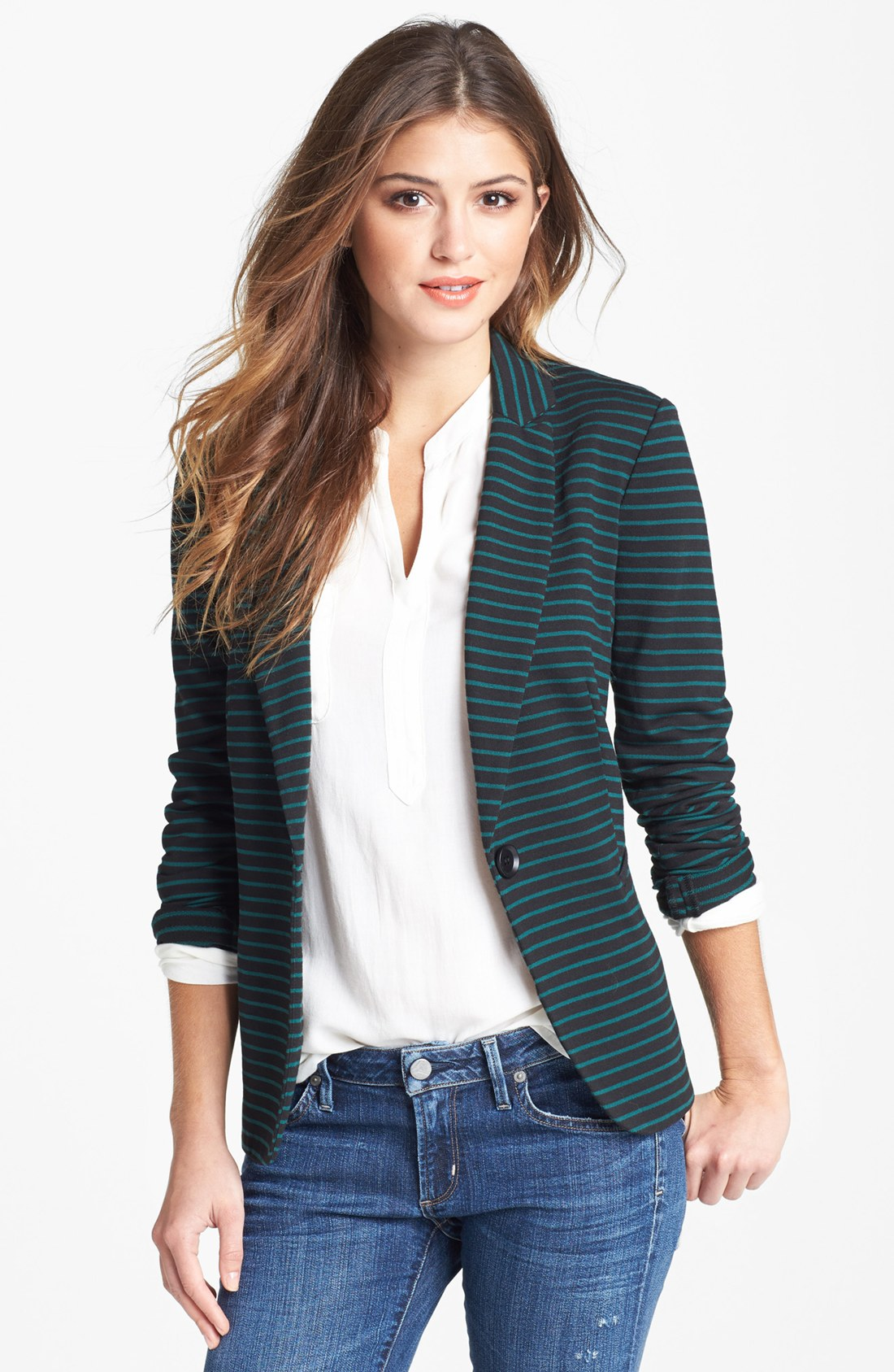 Find a great selection of coats, jackets and blazers for women at techriverku3.gq Shop winter coats, peacoats, raincoats, as well as trenches & blazers from brands like Topshop, Canada Goose, The North Face & more. Free shipping & returns.