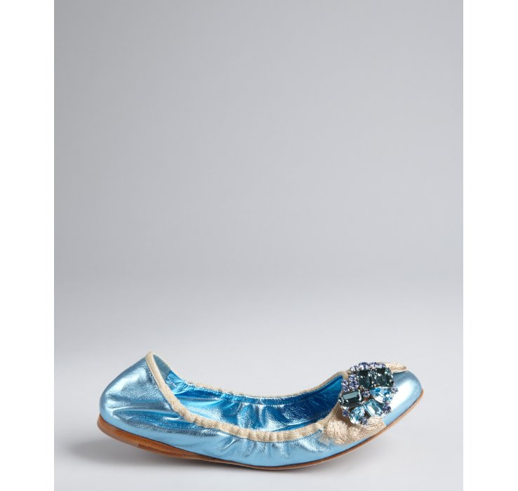 Miu Miu Ballerines Embelli De Fleurs - Bleu MgIkuoUNY