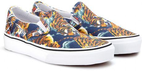 Kenzo Flying Tiger Printed Sneakers in Blue  duck blue Kenzo Flying Tiger Shoes