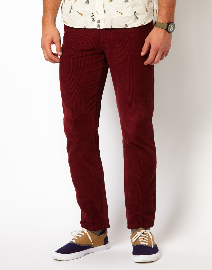Lancashire made men's cord trousers are of the highest quality. The British classics are available in an array of colours. Our famous corduroy trousers reflect all the colours of the British countryside, from moss green to corn yellow. To complete the great British statement look, Red (2) Yellow (1) Weight.