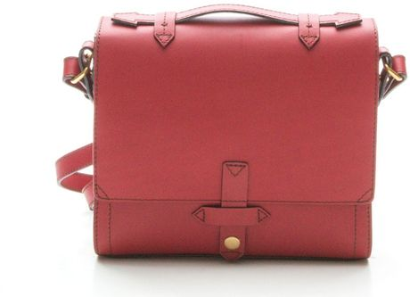 Iiibeca By Joy Gryson Hudson Street Crossbody Bag in Red (DARK RED)