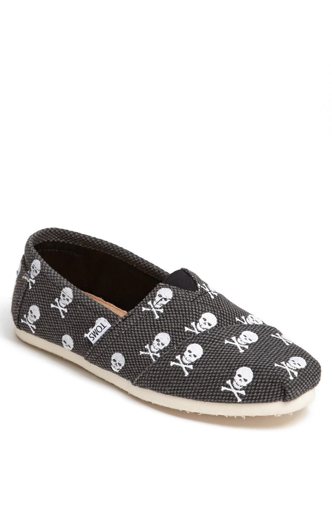 Mens Slip On Skull Shoes