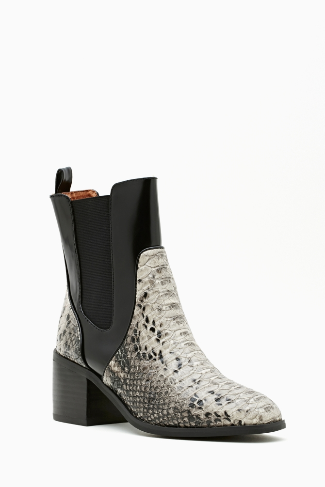 Lyst Nasty Gal Jeffrey Campbell Hunter Chelsea Boot In Black