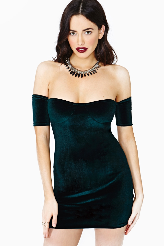 Caliente clothing store. Cheap online clothing stores