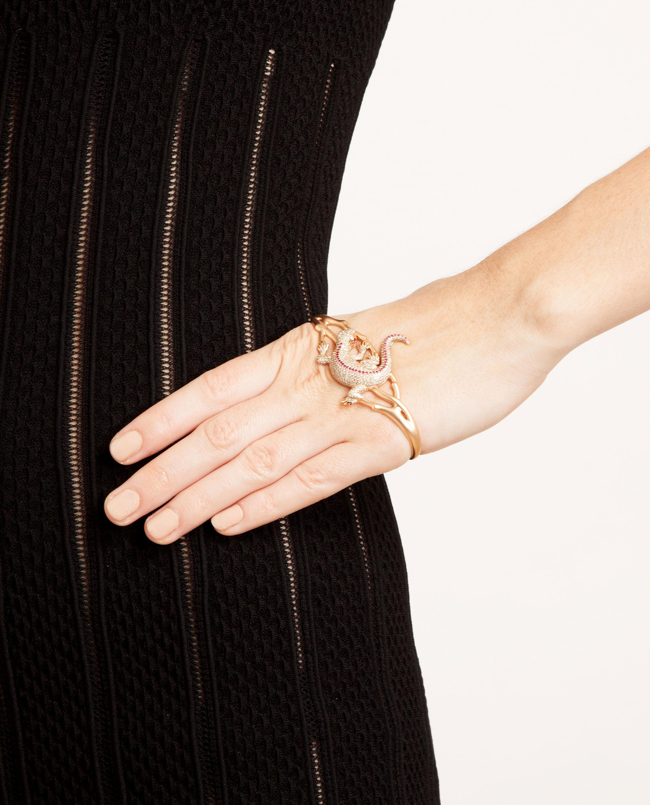 Gaydamak 18k Rose Gold and Ruby Iguane Hand Bracelet - Pink & Purple 1I8T6fT