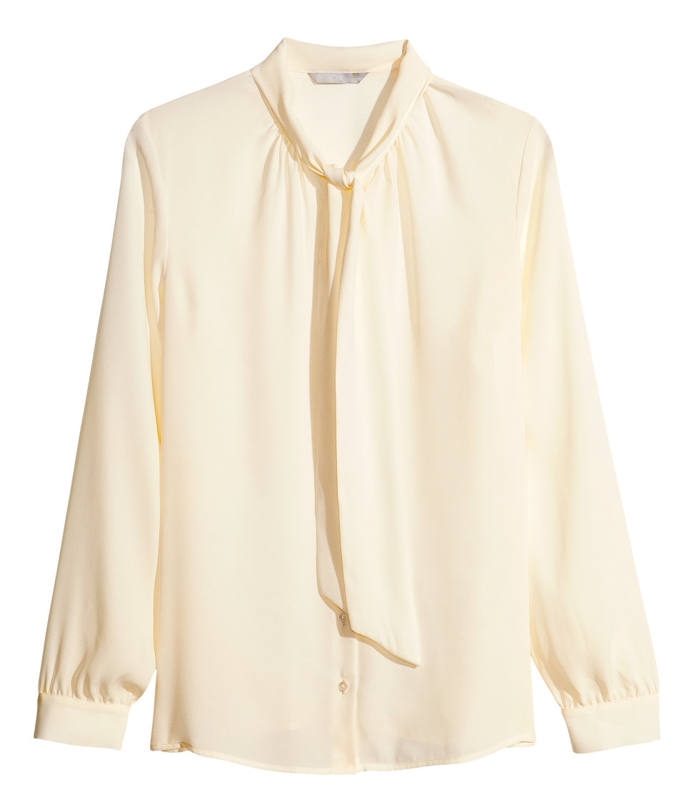 27c96918f3d3cd Lyst - H M Pussybow Blouse in Natural
