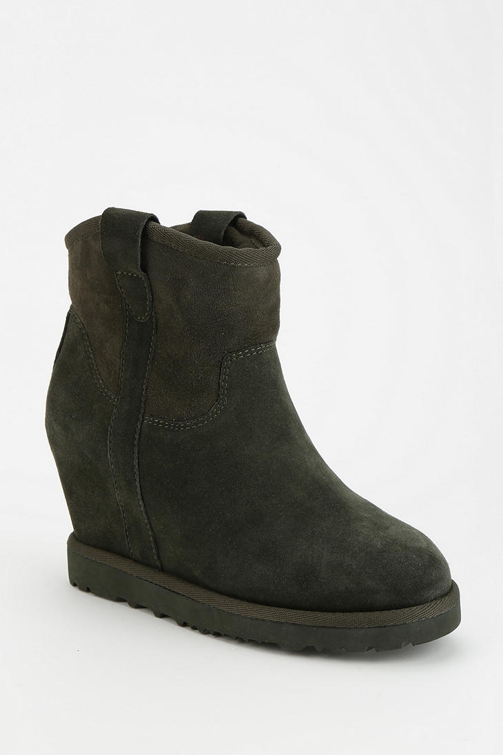 outfitters ash yahoo wedge ankle boot in