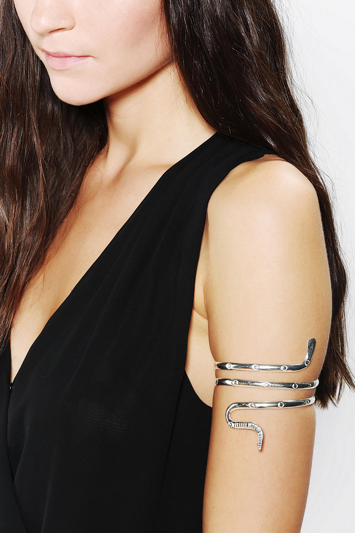 Urban Outfitters Natalie B Doubleswirl Armband Bracelet In