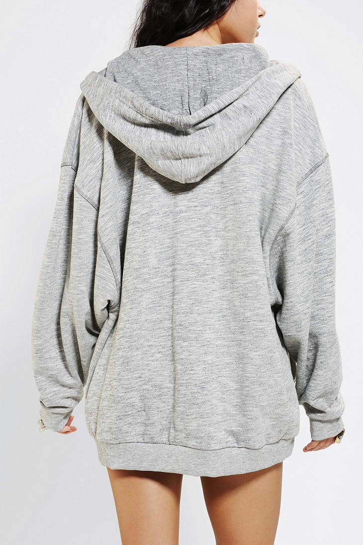 The oversized sweatshirt enables wearers to relax in comfort and style with a modern take on the traditional sweatshirt with larger features for a more relaxed fit that pairs nicely with jeans, skinny jeans, yoga pants, and more.